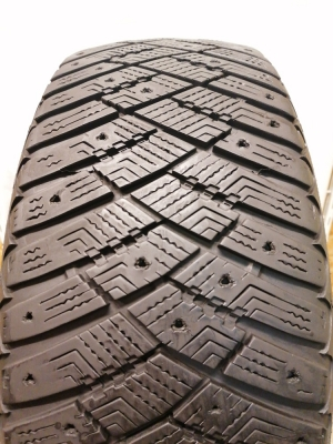 R-16-205-55-Goodyear Ultra Grip Ice Artic (7.0mm)